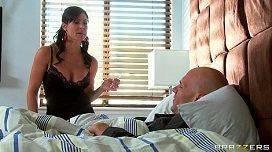 Médica Kendra Lust fudendo com paciente rico