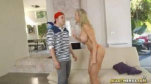 Porno do novinho comendo a tia