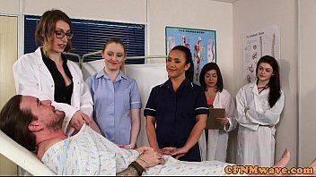 Médicas estagiárias cuidando do paciente video porno