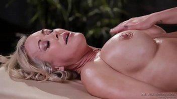 Fotos ninfetas lésbicas na massagem