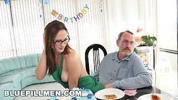 Menina sexo com tio