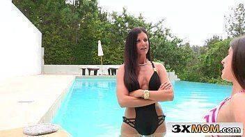 legal porno com coroa e novinha