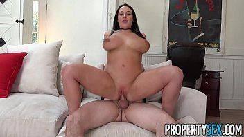 Filme de sexo com a morena gata que chupou e fodeu