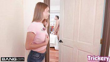 Garota pegou safado tocando punheta no quarto e ficou molhadinha