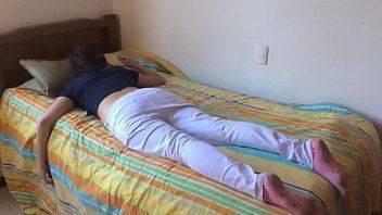 Safadinha dormindo e tomando pica grossa
