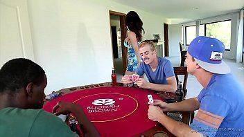 Sexo gostoso de mais depois do poker