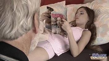 Videos de sexo grátis se aproveitando da inocência de sua neta gostosinha